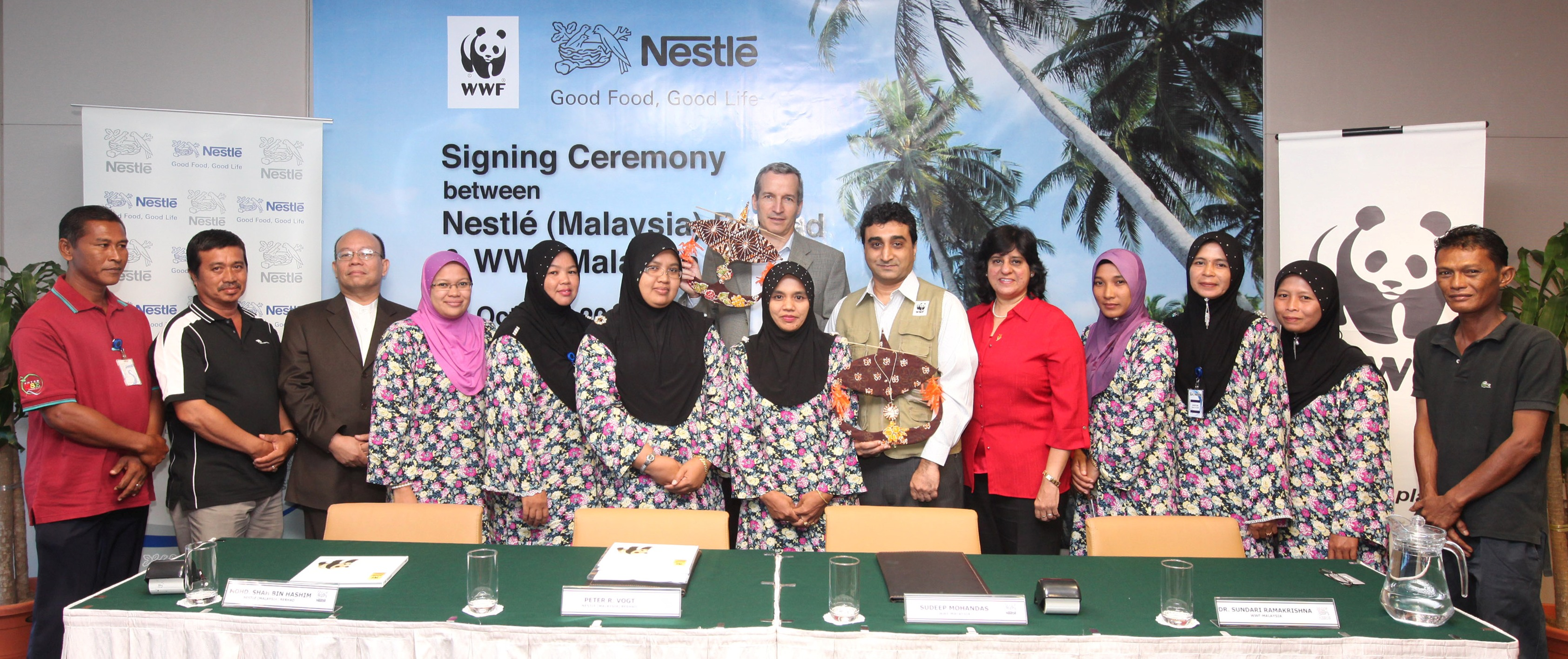 nestle malaysia berhad all is well The existing company that has selected is nestlé (malaysia) berhad nestlé's strengths such as high financial capability, effective strategic marketing capability, strong research and development, as well as great leaderships have helped them through the obstacles.