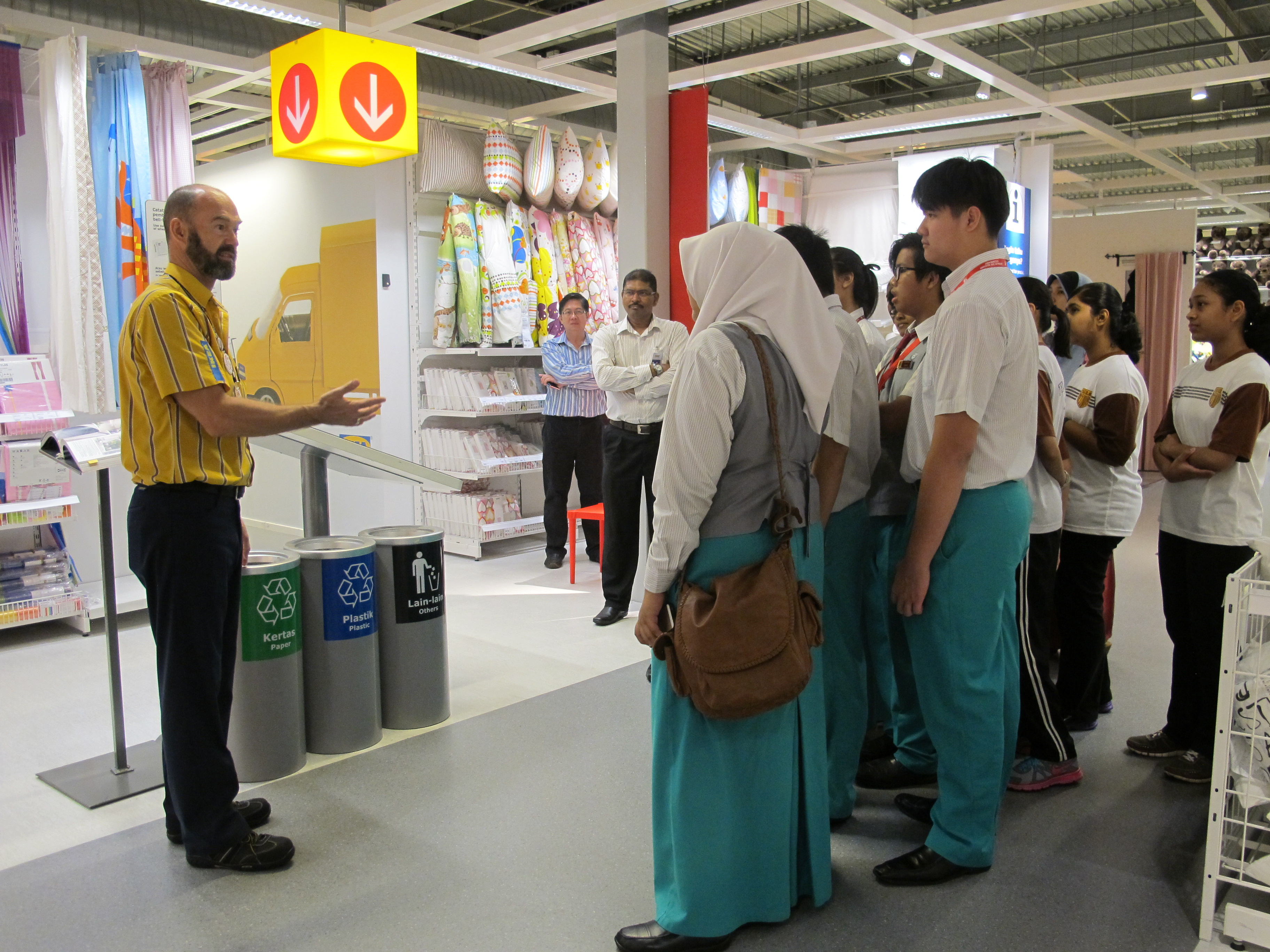 wwf malaysia join hands with ikea malaysia for eco schools programme wwf malaysia. Black Bedroom Furniture Sets. Home Design Ideas